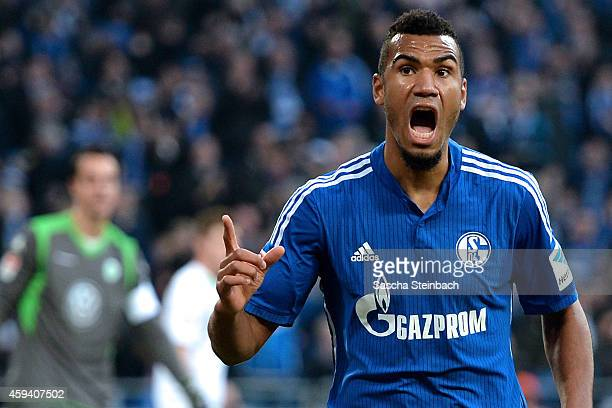 Eric Maxim ChoupoMoting of Schalke celebrates after scoring his team's second goal during the Bundesliga match between FC Schalke 04 and VfL...