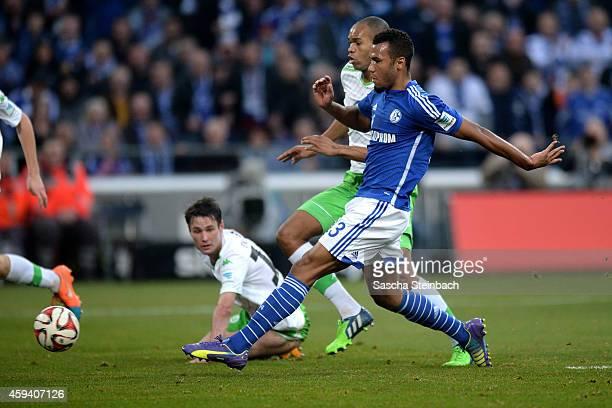 Eric Maxim ChoupoMoting of Schalke scores his team's second goal during the Bundesliga match between FC Schalke 04 and VfL Wolfsburg at Veltins Arena...