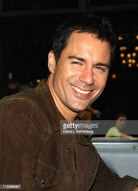 Eric McCormack leaving Barnes Noble during The Cast Of 'Will Grace' Outside Barnes and Noble September 15 2004 at Outside Barnes And Noble in New...