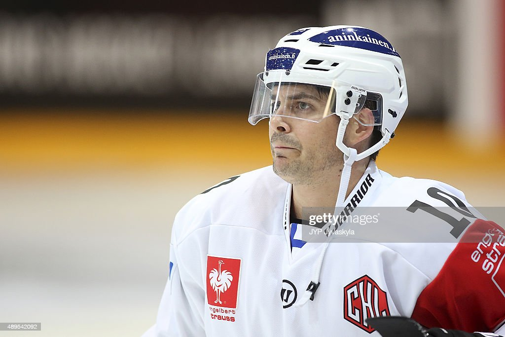 JYP Jyvaskyla v TPS Turku  - Champions Hockey League Round Of 32 : News Photo