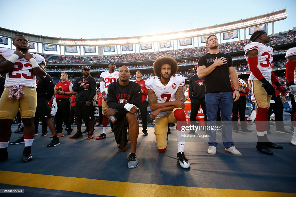 San Francisco 49ers v San Diego Chargers : News Photo