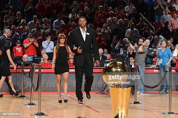Eric Riley is honored for the 20th anniversary of the 199394 and 199495 NBA backtoback championship teams during the game against the Denver Nuggets...