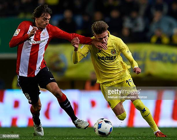 Eric Samuel Castillejo of Villarreal competes for the ball with Ander Iturraspe of Athletic Club during the Copa del Rey Round of 16 second leg match...
