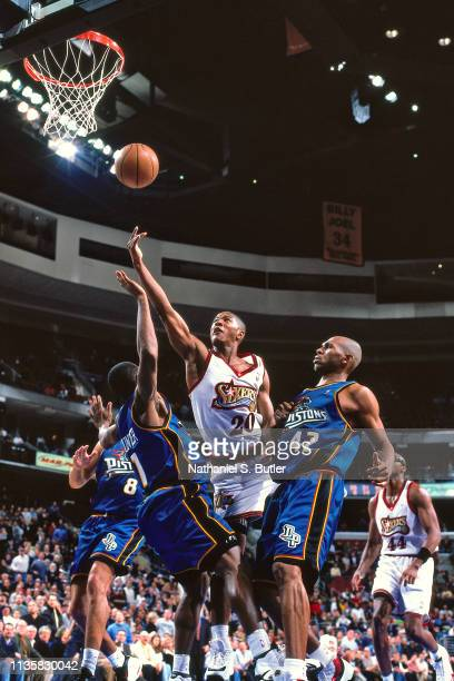 Eric Snow of Philadelphia 76ers shoots the ball against the Detroit Pistons on February 9 1999 at the First Union Center in Philadelphia Pennsylvania...