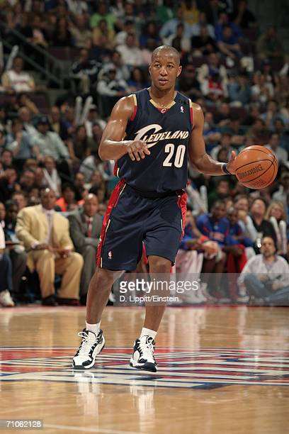 Eric Snow of the Cleveland Cavaliers dribbles against the Detroit Pistons in game five of the Eastern Conference Semifinals during the 2006 NBA...