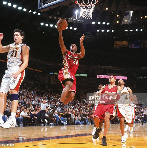 Eric Snow of the Cleveland Cavaliers drives to the basket during a game against the Golden State Warriors at The Arena in Oakland on January 22 2005...