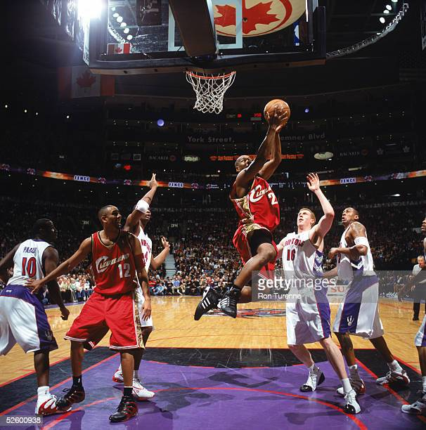Eric Snow of the Cleveland Cavaliers takes the ball to the basket during a game against the Toronto Raptors at Air Canada Centre on March 20 2005 in...