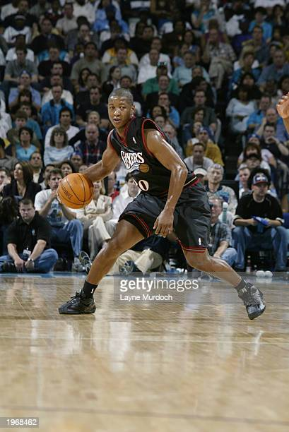 Eric Snow of the Philadelphia 76ers drives the ball in Game four of the Eastern Conference Quarterfinals against the New Orleans Hornets during the...