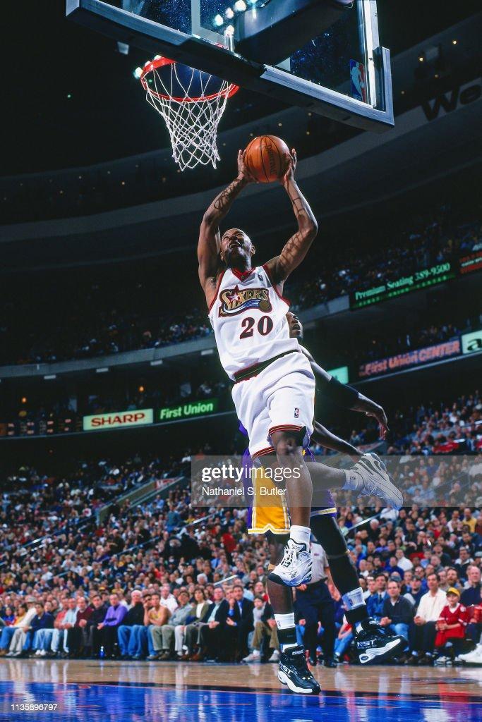 Los Angeles Lakers v Philadelphia 76ers : News Photo