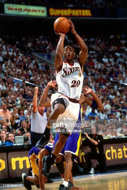 Eric Snow of the Philadelphia 76ers shoots the ball against the Los Angeles Lakers in Game Three of the 2001 NBA Finals on June 10 2001 at the First...
