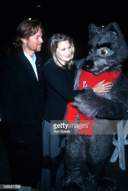 Eric Stoltz and Bridget Fonda during 'Balto' New York City Screening December 17 1995 at Gotham Theater in New York City New York United States