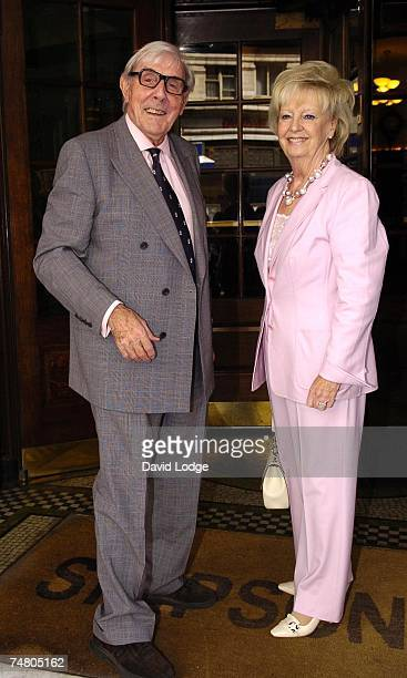 Eric Sykes and Edith Eleanore Milbrandt at the The Oldie Literary Lunch 2006 Inside at Simpsons in the Strand in London