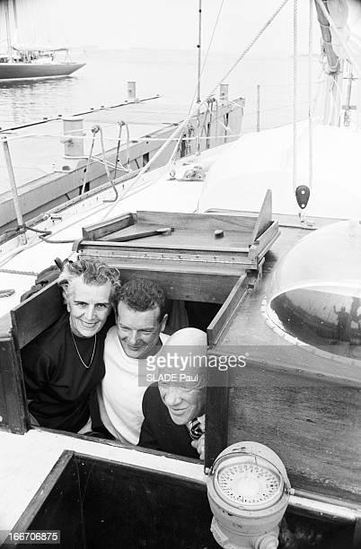 Eric Tabarly Wins The Transatlantic Solo Race Plymouth Newport Juin 1964 le navigateur français Eric TABARLY participe à la course à la voile 'La...