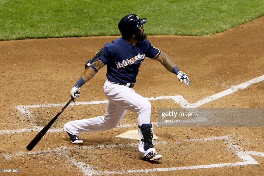 Eric Thames #7 of the Milwaukee Brewers hits a home run in the fifth inning against the St. Louis Cardinals at Miller Park on April 20, 2017 in Milwaukee, Wisconsin.