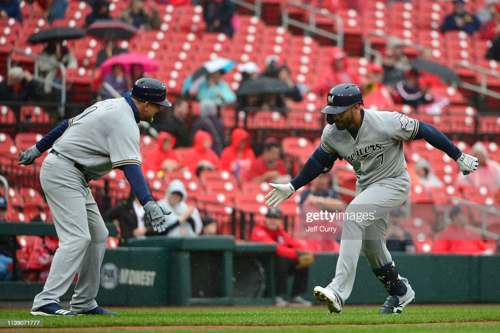 MO: Milwaukee Brewers v St Louis Cardinals
