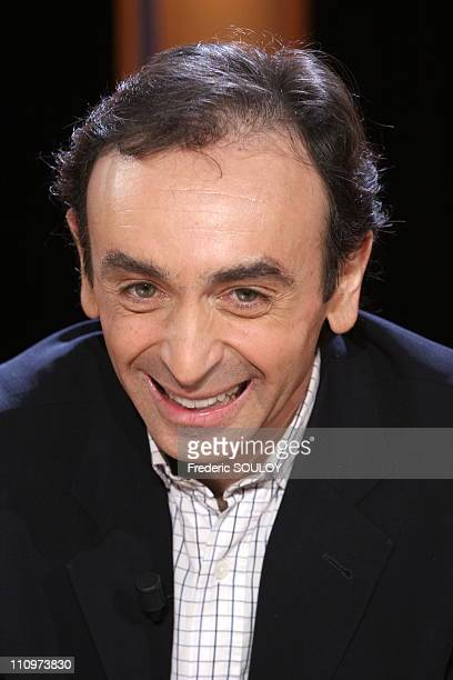 Eric Zemmour at the TV talk show 'Vol de nuit' hosted by Patrick Poivre d'Arvor in Paris France on February 31st 2006