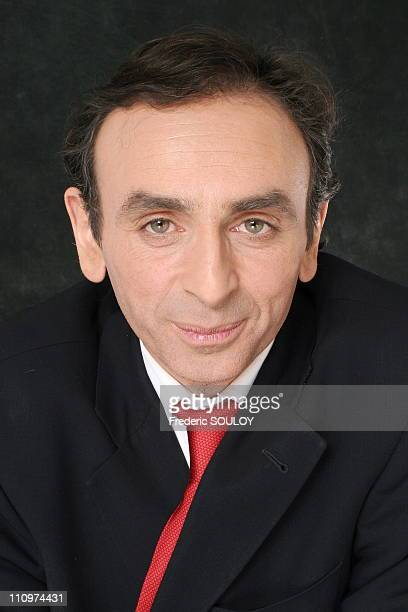 Eric Zemmour in Tv talk show 'Campus' hosted by Guillaume Durand in Paris France on February 24th 2006