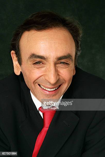 Eric Zemmour on the set of TV show 'Campus'