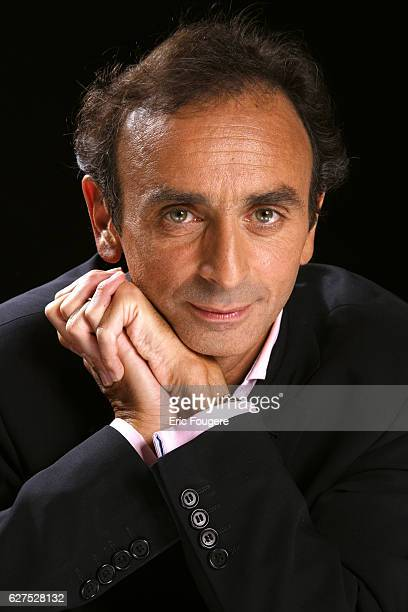 Eric Zemmour on the set of TV show 'Esprits Libres'