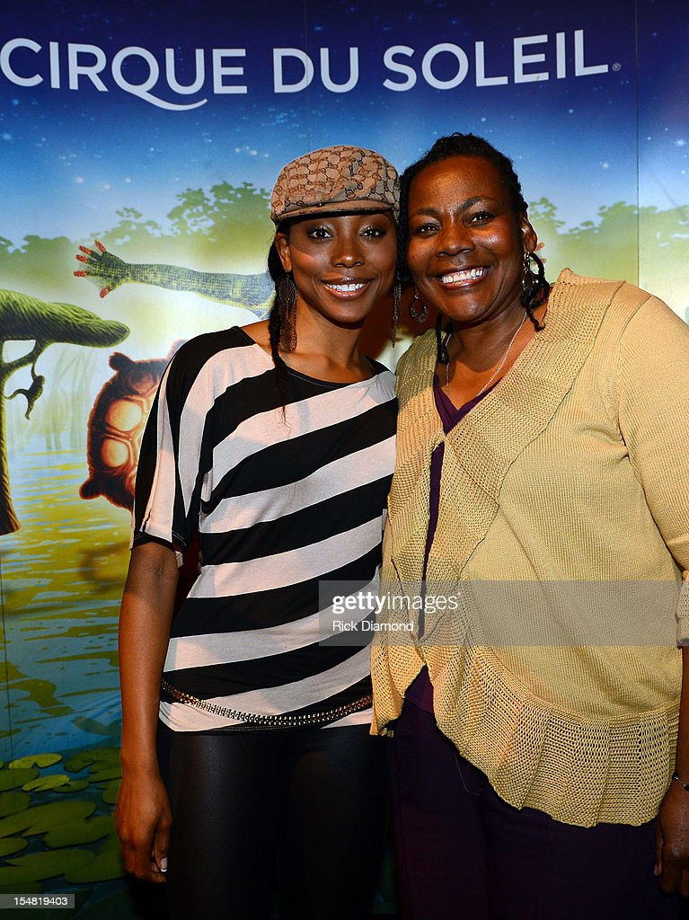 Erica Ash Of Scary Movie 5 And Her Mother Diann Ash Attend Cirque News Photo Getty Images