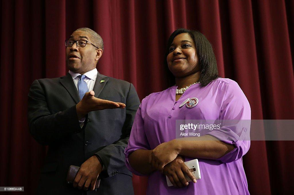 Democratic Presidential Candidate Bernie Sanders Campaigns In South Carolina
