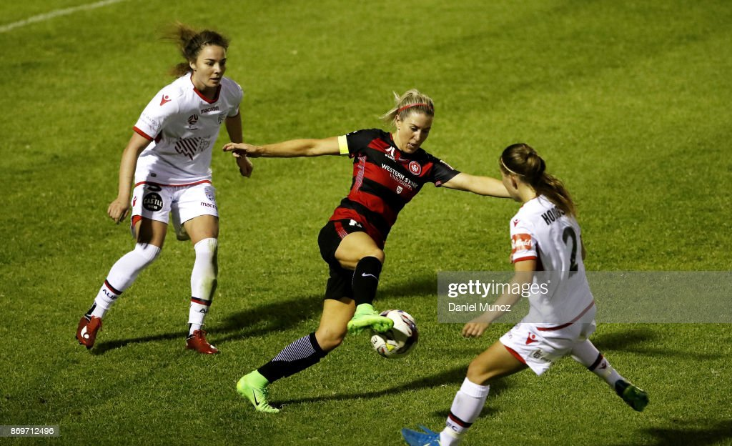 Erica Halloway of the Wanderers controls the ball during the round two W-League match between the Western Wanderers and Adelaide United at Marconi Stadium on November 3, 2017 in Sydney, Australia.