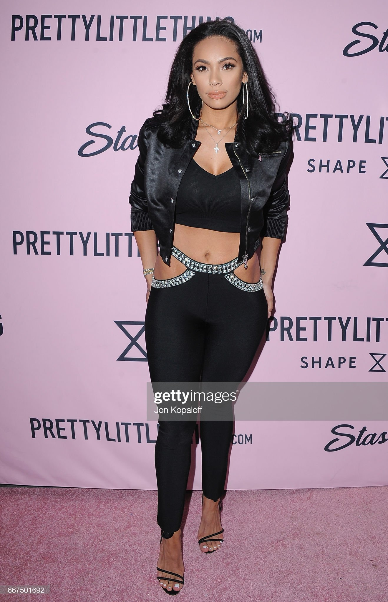 Top 80 Famosas Foroalturas - Página 2 Erica-mena-arrives-at-prettylittlething-campaign-launch-for-plt-shape-picture-id667501692?s=2048x2048