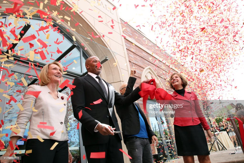 USC Hosts Dedication Ceremony For New Iovine And Young Hall : News Photo