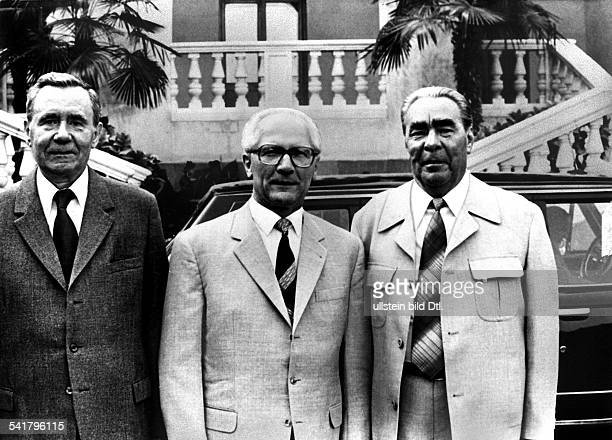 Erich Honecker*Politician Communist East GermanyGeneral Secretary of the Socialist Unity Party Head of State of East Germany 19711989Honecker with...