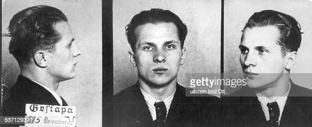 Erich HoneckerErich Honecker Politiker SED DDR Erster Sekretär des ZK der SED 19711989 Staatsratsvorsitzender 19761989 nach seiner Verhaftung im...