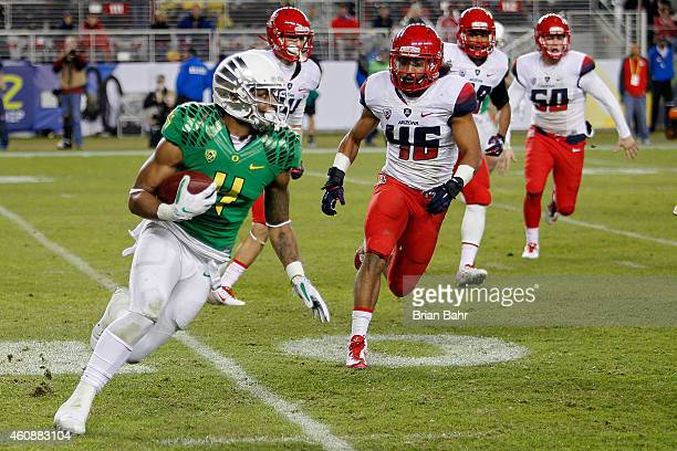 Erick Dargan of the Oregon Ducks returns a punt against the Arizona Wildcats in the fourth quarter on December 5 2014 during the Pac12 Championship...