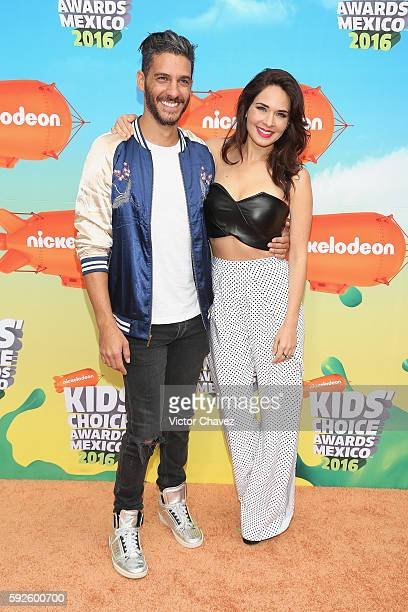 Erick Elias and Adriana Louvier arrive at the Nickelodeon Kids' Choice Awards Mexico 2016 at Auditorio Nacional on August 20 2016 in Mexico City...