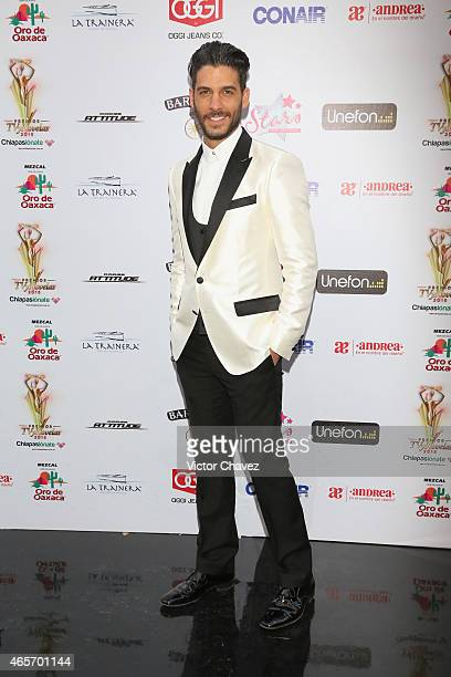 Erick Elias arrives at Premios TV y Novelas 2015 at Televisa San Angel on March 9, 2015 in Mexico City, Mexico.