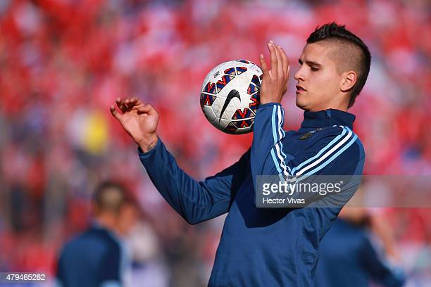 Erick Lamela of Argentina warms up prior the 2015 Copa America Chile Final match between Chile and Argentina at Nacional Stadium on July 04 2015 in...
