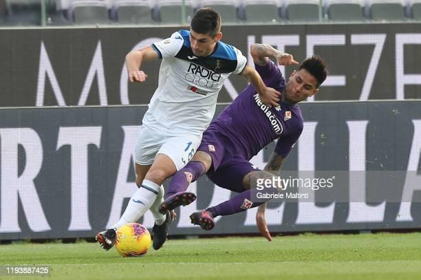 Erick Pulgar of ACF Fiorentina battles for the ball with Ruslan Malinovsky of Atalanta BC at Stadio Artemio Franchi on January 15 2020 in Florence...