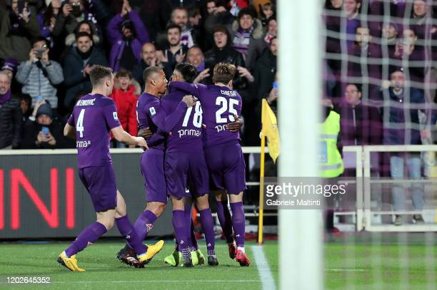 Erick Pulgar of ACF Fiorentina celebrates with teammates after scoring the equalizing goal via penalty during the Serie A match between ACF...