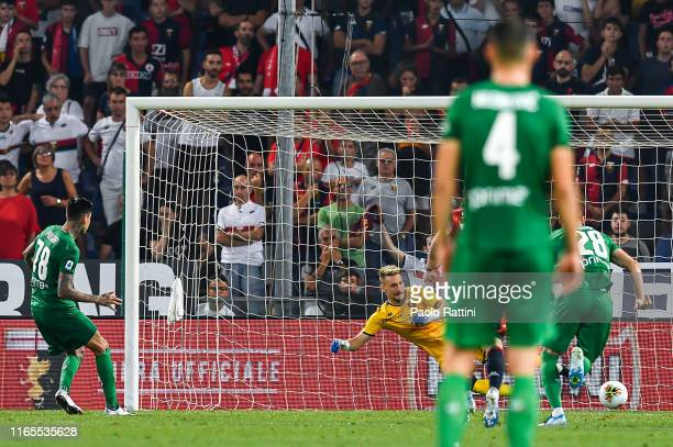 Erick Pulgar of Fiorentina scores a goal on a penalty kick during the Serie A match between Genoa CFC and ACF Fiorentina at Stadio Luigi Ferraris on...
