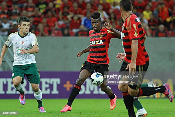 Erico Jr of Sport Recife in action during the the Brasileirao Series A 2014 match between Sport Recife and Palmeiras at Arena Pernambuco on August 20...