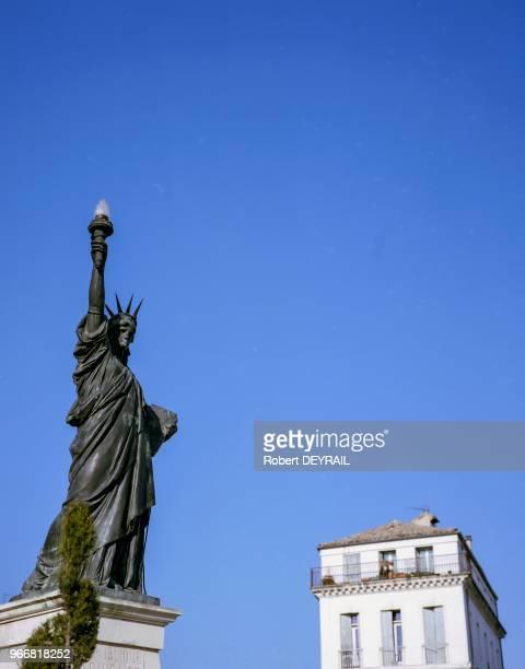 Erigée pour commémorer le centenaire de la Révolution française la statue de la Liberté réduction de luvre dAuguste Bartholdi a été enlevée en 1943...