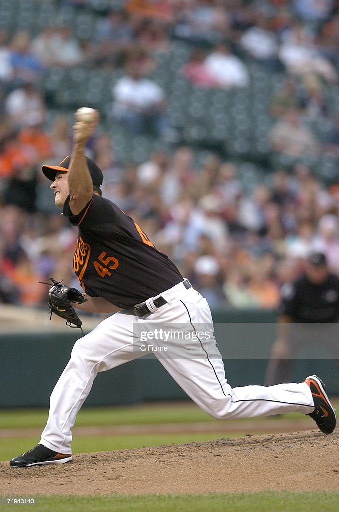 Erik Bedard #45 of the Baltimore Orioles pitches against the Arizona Diamondbacks at Camden Yards June 15, 2007 in Baltimore, Maryland.