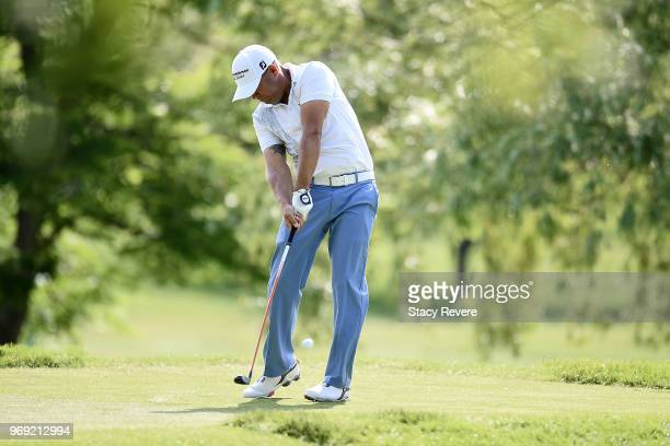 Erik Compton hits his tee shot on the third hole during the first round of the RustOleum Championship at the Ivanhoe Club on June 7 2018 in Ivanhoe...