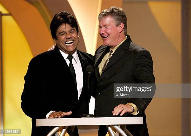 Erik Estrada and Larry Wilcox present the Viewer's Choice Award for Most Heartwarming PetHuman Relationship