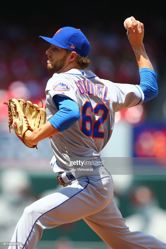 Erik Goeddel #62 of the New York Mets delivers a pitch against the St. Louis Cardinals in the fifth inning at Busch Stadium on July 9, 2017 in St. Louis, Missouri.