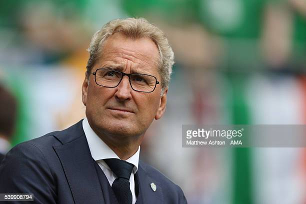 Erik Hamren the head coach / manager of Sweden during the UEFA EURO 2016 Group E match between Republic of Ireland and Sweden at Stade de France on...