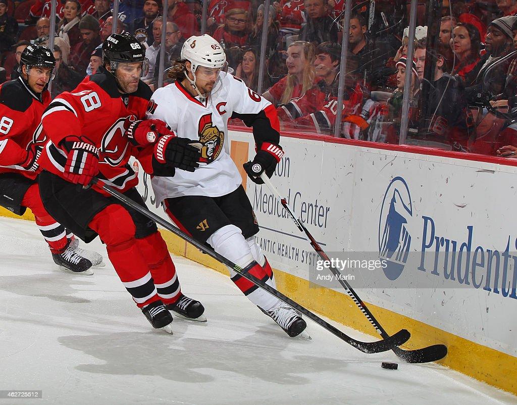 new arrivals 5f4f6 9dbb3 Erik Karlsson of the Ottawa Senators and Jaromir Jagr of the ...