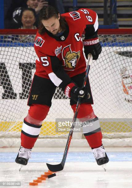 Erik Karlsson of the Ottawa Senators competes in the Gatorade NHL Puck Control Relay during 2018 GEICO NHL AllStar Skills Competition at Amalie Arena...