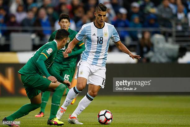 Erik Lamela of Argentina dribbles against Bolivia during the 2016 Copa America Centenario Group D match at CenturyLink Field on June 14 2016 in...