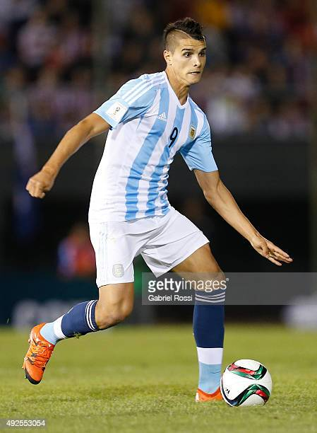 Erik Lamela of Argentina drives the ball during a match between Paraguay and Argentina as part of FIFA 2018 World Cup Qualifier at Defensores del...