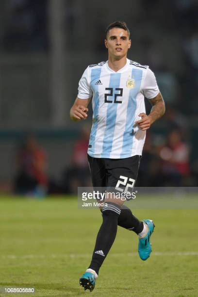 Erik Lamela of Argentina runs during a friendly match between Argentina and Mexico at Mario Kempes Stadium on November 16 2018 in Cordoba Argentina