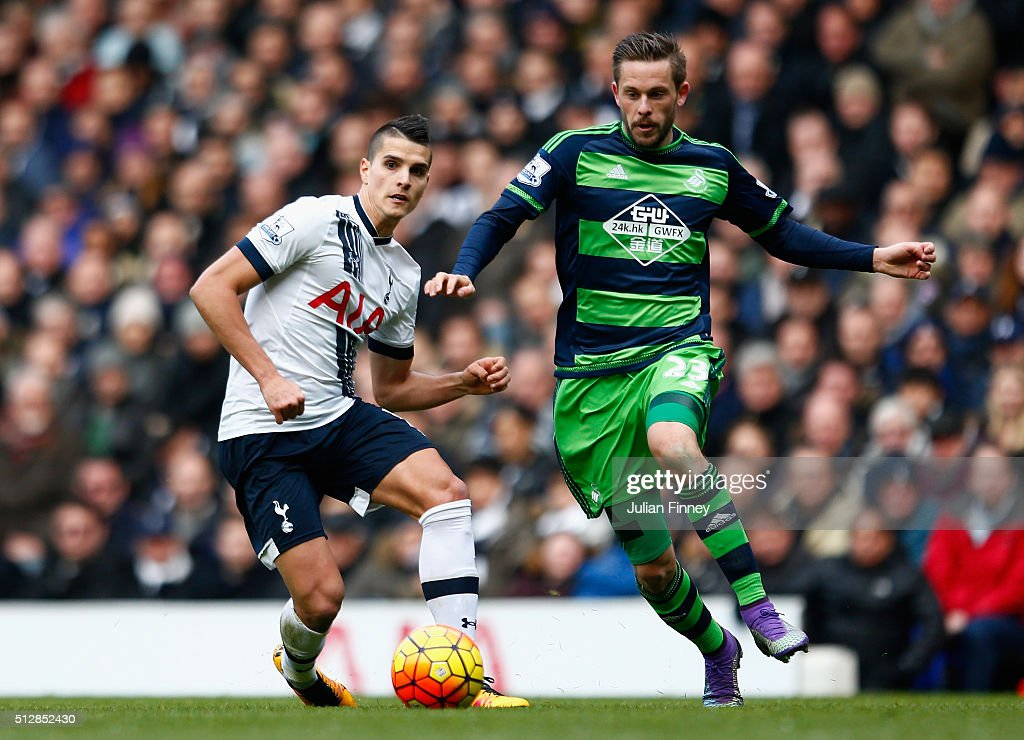 Tottenham Hotspur v Swansea City - Premier League : News Photo